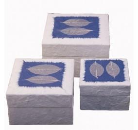Set quadrato blu con foglia